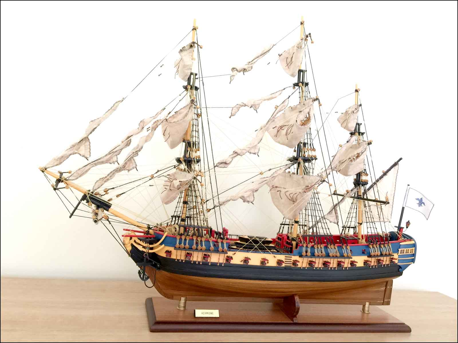 Lafayette's Hermione Ship Model (1779 France)|Medium Size|Painted